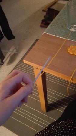 Tre i en stor nål - thread through a big needle